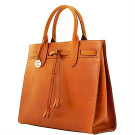 Tassel Tote product Hover