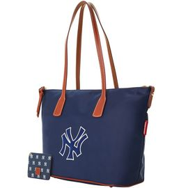 Yankees Top Zip Tote w ID Holder