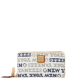 Yankees Zip Around Wristlet