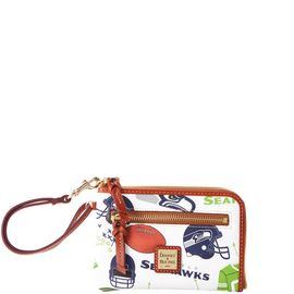 Seahawks Multi Function Zip Around product