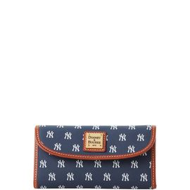 Yankees Continental Clutch product